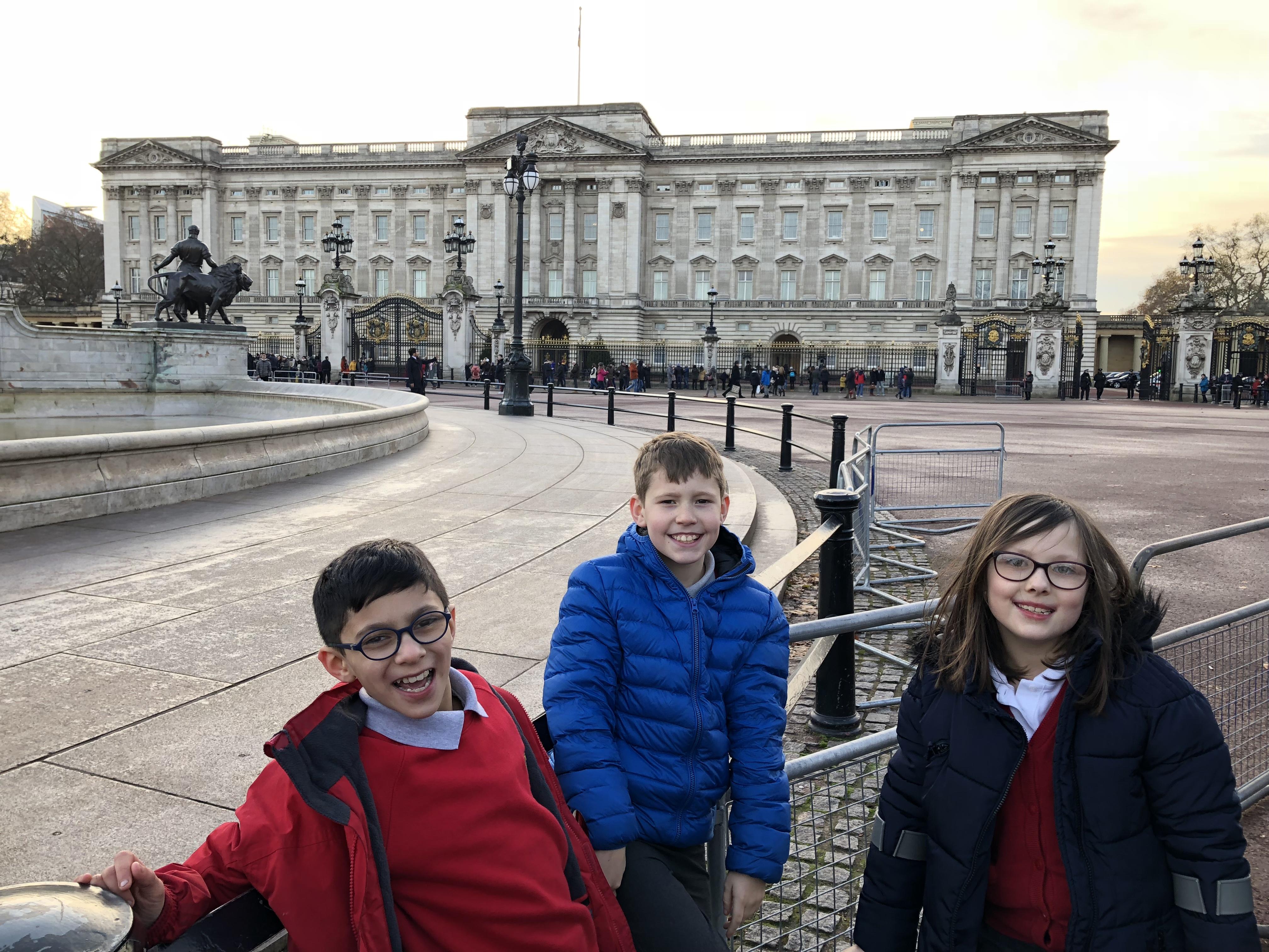 Children visiting Buckingham Palace