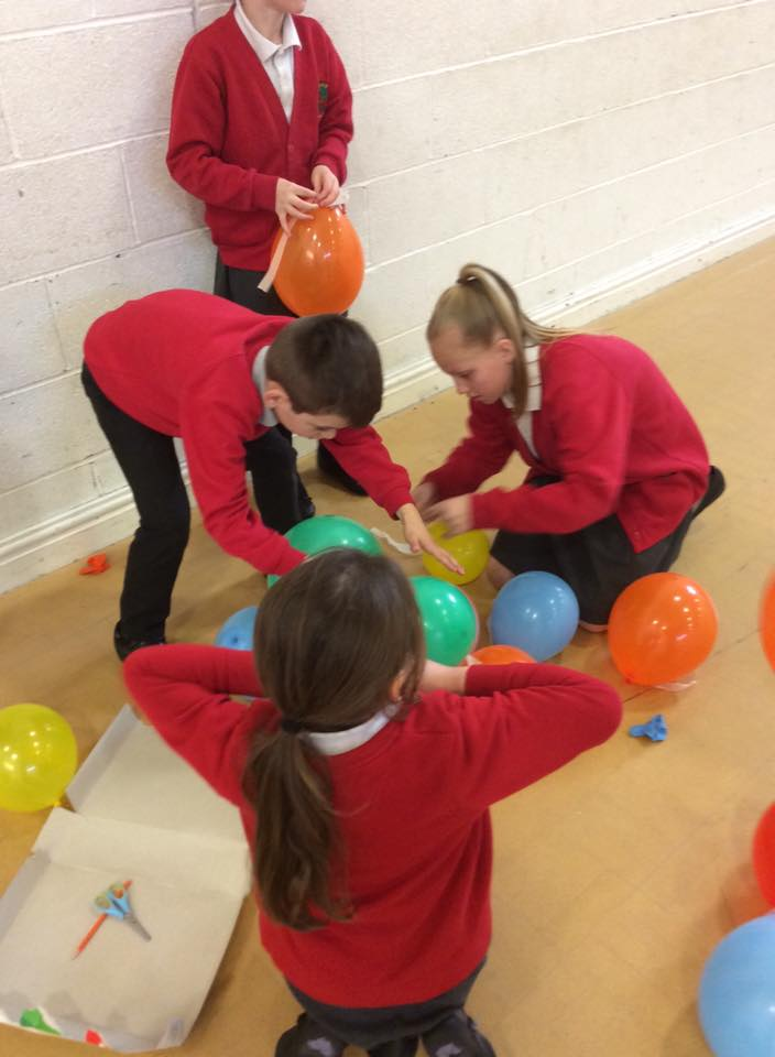 Making balloon towers